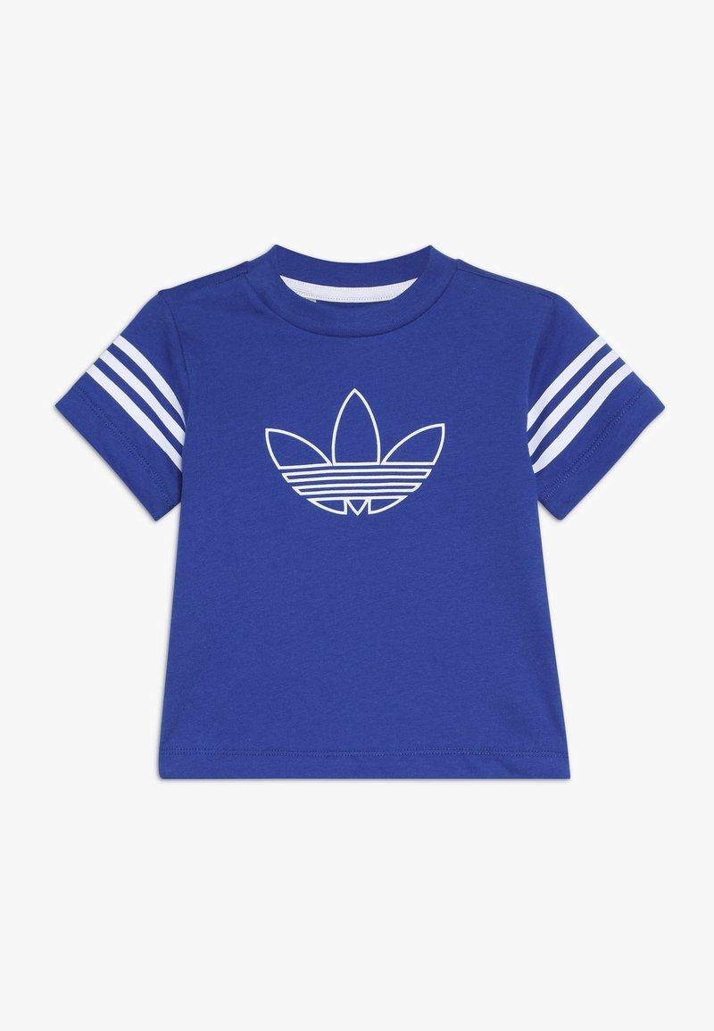 adidas Originals - OUTLINE TEE - Print T-shirt - royblu/white