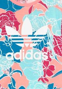adidas Originals - TEE - Camiseta estampada - pink - 3