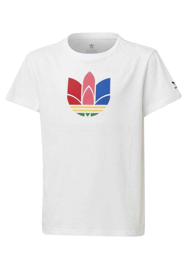 ADICOLOR 3D TREFOIL T-SHIRT - T-shirt print - white