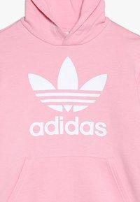 adidas Originals - TREFOIL HOODIE - Mikina skapucí - light pink/white - 4