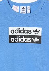 adidas Originals - V OCAL CREW - Mikina - blue - 3