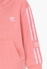 adidas Originals - LOCK UP HOODIE SET - Tracksuit - pink/white - 4
