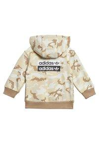 adidas Originals - R.Y.V. CAMOUFLAGE HOODIE SET - Sweatjacke - brown - 3