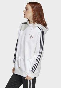 adidas Originals - HOODIE - Bluza - white - 2