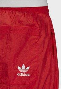 adidas Originals - BIG TREFOIL TRACKSUIT BOTTOMS - Jogginghose - red - 5