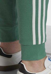 adidas Originals - 3-STRIPES JOGGERS - Trainingsbroek - turquoise - 4