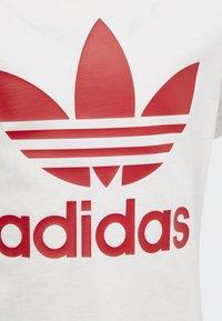 adidas Originals - TREFOIL SHORTS TEE SET - Shorts - red/white - 7