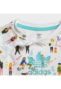 adidas Originals - JUMPSUIT SET - Sweatshirt - white/blue - 10
