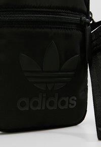 adidas Originals - FESTIVAL BAG - Axelremsväska - black - 6