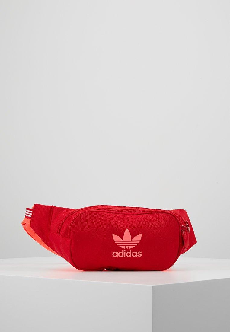 adidas Originals - ESSENTIAL CBODY - Bältesväska - scarlet