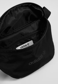 adidas Originals - WAISTBAG - Heuptas - black - 4