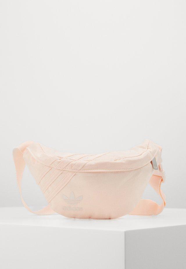 FOR HER SPORTS INSPIRED WAISTBAG - Bæltetasker - pink