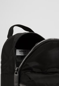 adidas Originals - MINI - Tagesrucksack - black - 5