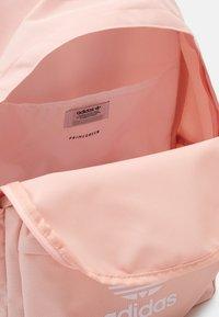 adidas Originals - Mochila - light pink - 3