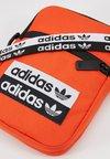 adidas Originals - REVEAL YOUR VOICE  FEST BAG - Borsa a tracolla - actora
