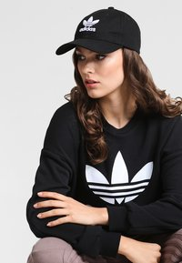 adidas Originals - TREFOIL - Pet - black - 1