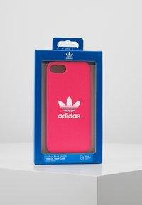 adidas Originals - MOULDED CASE FOR IPHONE - Obal na telefon - shock pink - 5