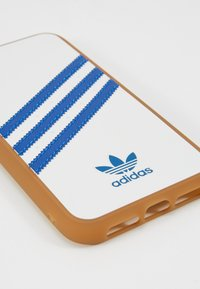 adidas Originals - ADIDAS MOULDED CASE - Etui na telefon - white/collegiate navy - 2