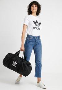 adidas Originals - DUFFLE - Sporttasche - black - 5