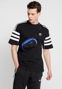 adidas Originals - DAILYWAISTBAG - Bum bag - dark blue - 1