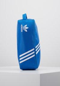 adidas Originals - SNEAKER BAG - Torba podróżna - bluebird - 4