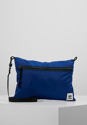 SIMPLE POUCH  - Across body bag - croyal