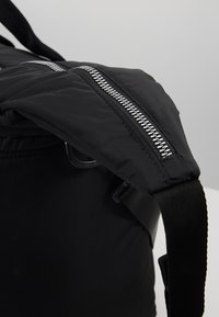 adidas Originals - MODERN DUFFEL - Sportväska - black - 5