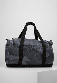adidas Originals - GEAR DUFFEL - Weekendveske - multicolor/black - 2