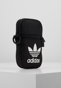 adidas Originals - FEST BAG TREF - Skuldertasker - black - 3