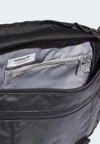 adidas Originals - LARGE WAIST BAG - Bum bag - black - 6