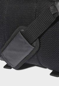 adidas Originals - LARGE WAIST BAG - Bum bag - black - 5