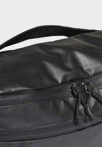 adidas Originals - LARGE WAIST BAG - Bum bag - black - 4