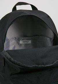 adidas Originals - CLASS - Reppu - black - 4
