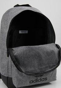 adidas Originals - CLASSIC - Rugzak - black - 4