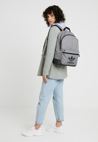 adidas Originals - CLASSIC - Sac à dos - black - 6