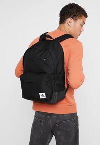 adidas Originals - CLASSIC  - Batoh - black - 1