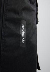 adidas Originals - FUTURE ROLL TOP - Reppu - black - 7