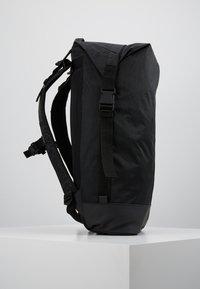 adidas Originals - FUTURE ROLL TOP - Reppu - black - 3