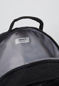 adidas Originals - MODERN BACKPACK - Reppu - black - 4