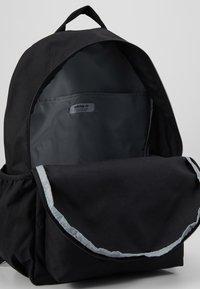 adidas Originals - LOGO - Sac à dos - black - 4