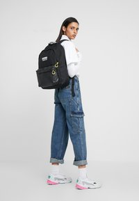 adidas Originals - BACKPACK - Reppu - black - 5