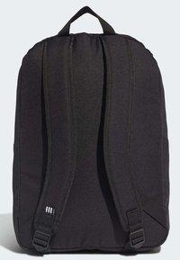 adidas Originals - ADICOLOR LARGE TREFOIL CLASSIC BACKPACK - Reppu - black/gold - 1