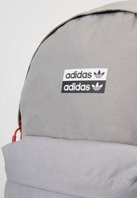 adidas Originals - BACKPACK - Reppu - dove grey - 5