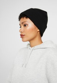 adidas Originals - CUFF - Beanie - black - 3