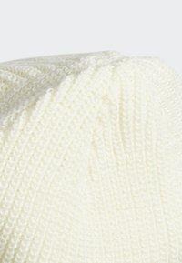adidas Originals - JOE LOGO BEANIE - Pipo - white - 4