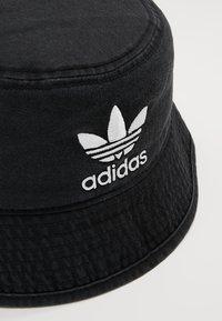 adidas Originals - BUCKET HAT - Hatte - black/white - 6