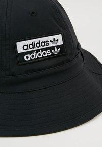 adidas Originals - REVEAL YOUR VOICE BUCKET - Klobouk - black - 6