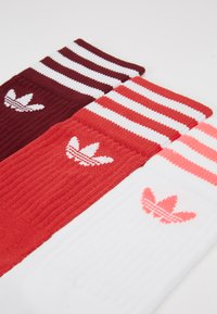 adidas Originals - SOLID CREW 3 PACK - Sokken - bordeaux/ red/ white - 2