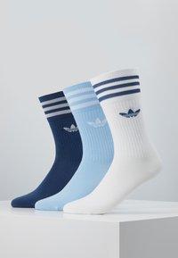 adidas Originals - SOLID CREW 3 PACK - Sokken - marin/clesky/white - 0