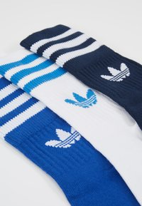 adidas Originals - MID CUT 3 PACK - Strumpor - conavy/croyal/white - 2